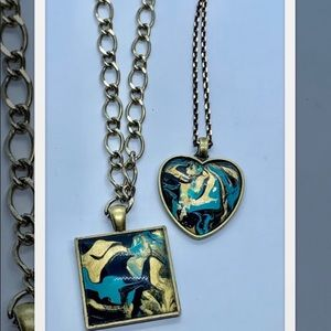 Jewelry - Paint skin necklace .